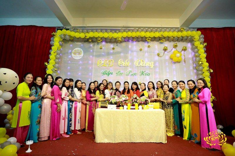Phật tử hân hoan tổ chức sinh nhật CLB Cúc Vàng tròn 1 tuổi.