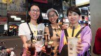 Điểm đến đầu tiên của các thành viên trong CLB Cúc Vàng tại Đài Loan là chợ đêm Phùng Giáp
