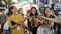CLB Cúc Vàng tham quan Đài Loan ngày thứ hai tại chợ đêm Cao Hùng