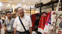CLB Cúc Vàng tham quan Đài Loan ngày thứ hai tại cửa hàng nấm Linh Chi