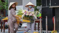 Những con người thầm lặng trong khóa tu mùa hè chùa Ba Vàng lần 2