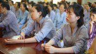 Phật tử Phạm Thị Yến chia sẻ Pháp với đạo tràng Minh Long và đạo tràng Minh Hậu