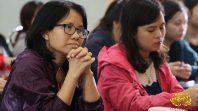 Cô Phạm Thị Yến giao lưu với trường đại học Ngoại Thương ngày mùng 4 tháng 10 năm Mậu Tuất
