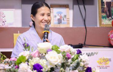 Cô Phạm Thị Yến pháp danh Tâm Chiếu Hoàn Quán, chủ nhiệm CLB Cúc Vàng trạch Pháp tại Điện Biên