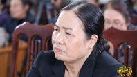 Cô Phạm Thị Yến (Tâm Chiếu Hoàn Quán) chủ nhiệm CLB Cúc Vàng - Tập Tu Lục Hòa chia sẻ Pháp tại CLB Bông Sen Vàng, thành phố Uông Bí