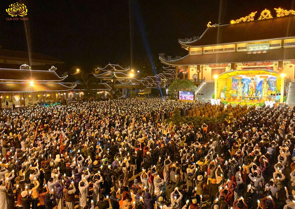 Đêm kỷ niệm kính mừng Phật thành đạo năm 2020 tại chùa Ba Vàng