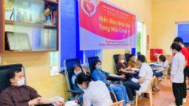 Chung tay vì cộng đồng - Phật tử CLB Cúc Vàng hiến máu tình nguyện trong mùa Covid-19