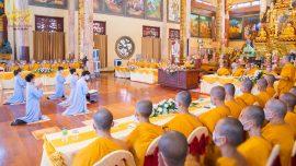 dâng lời cầu thỉnh trên Sư Phụ cùng chư tôn đức Tăng chứng minh cho được phát Bồ đề nguyện