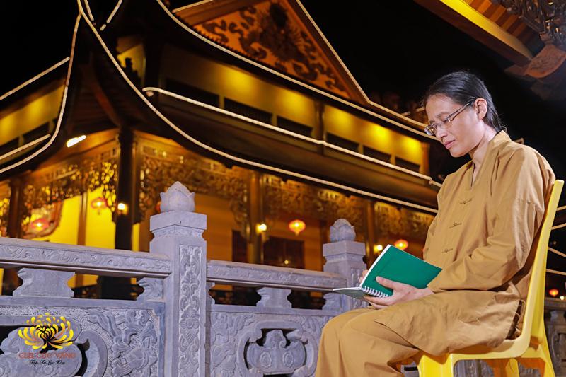 Thực hành 7 hạnh nguyện trên sẽ thành tựu nguyện thứ 8: Thường theo học Phật
