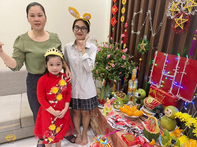 Gia đình Phật tử cùng nhau tổ chức trung thu tại nhà